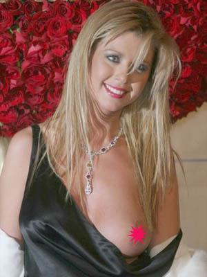 Tara_reid_nipple_slip_300x400
